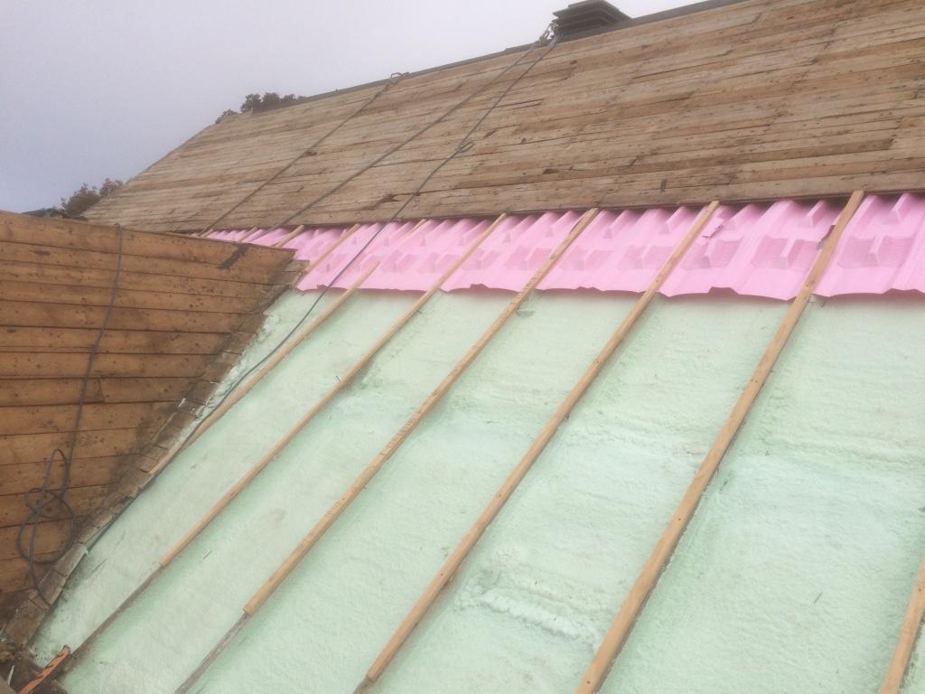 Toiture dans le vieux l vis construction d mark for Superficie toiture